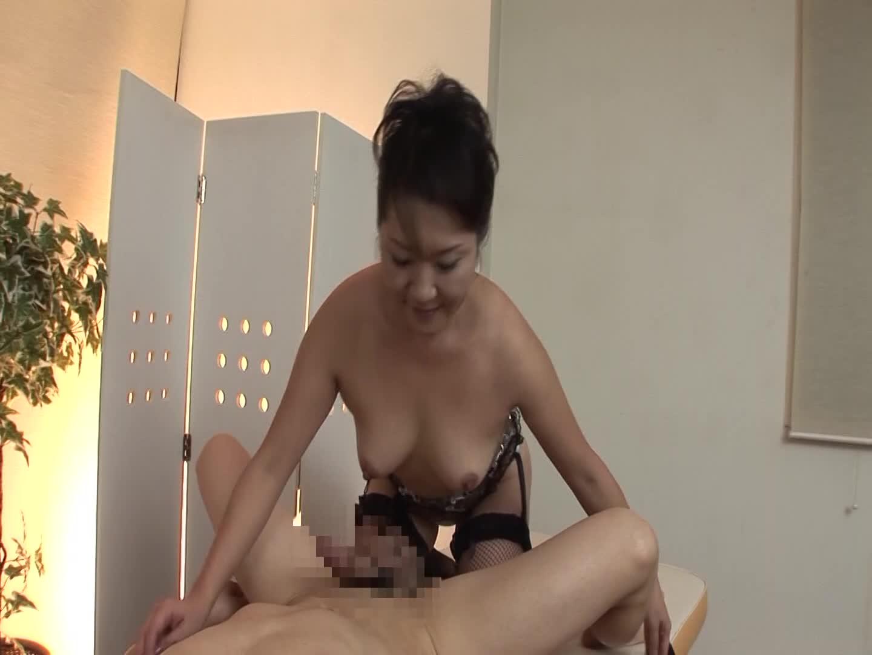 今時の男性向けエステでは常識になったパイズリと乳首舐めのサービス
